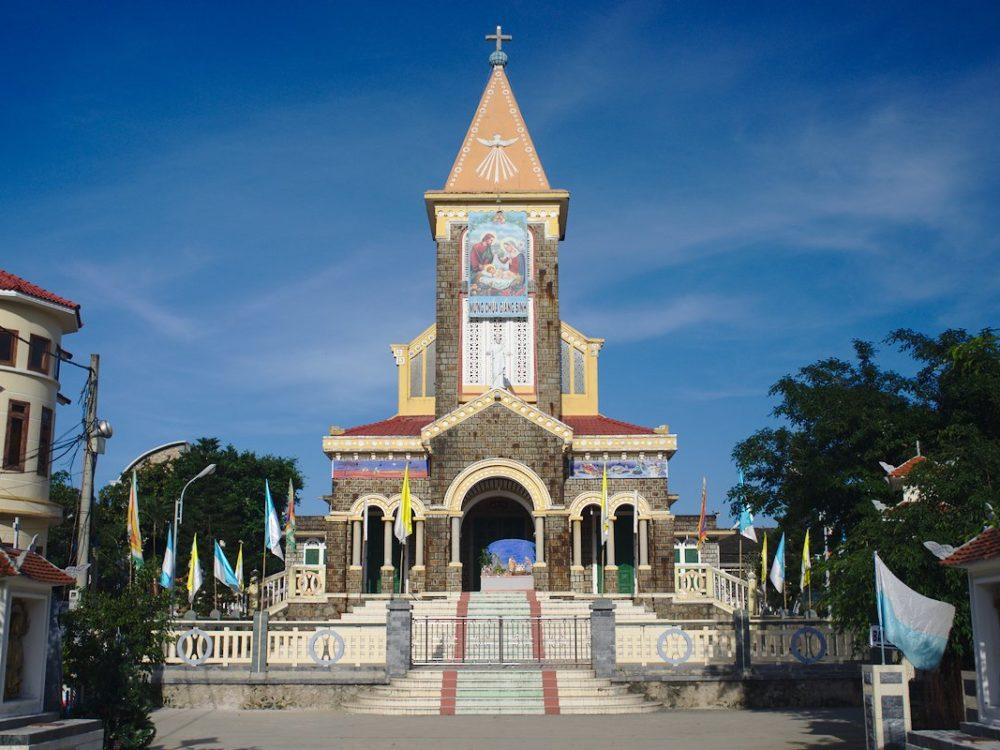 Lang Co Church